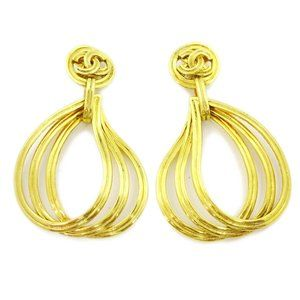 CHANEL CC Logos Shaking Earrings Clip-On Gold-Tone